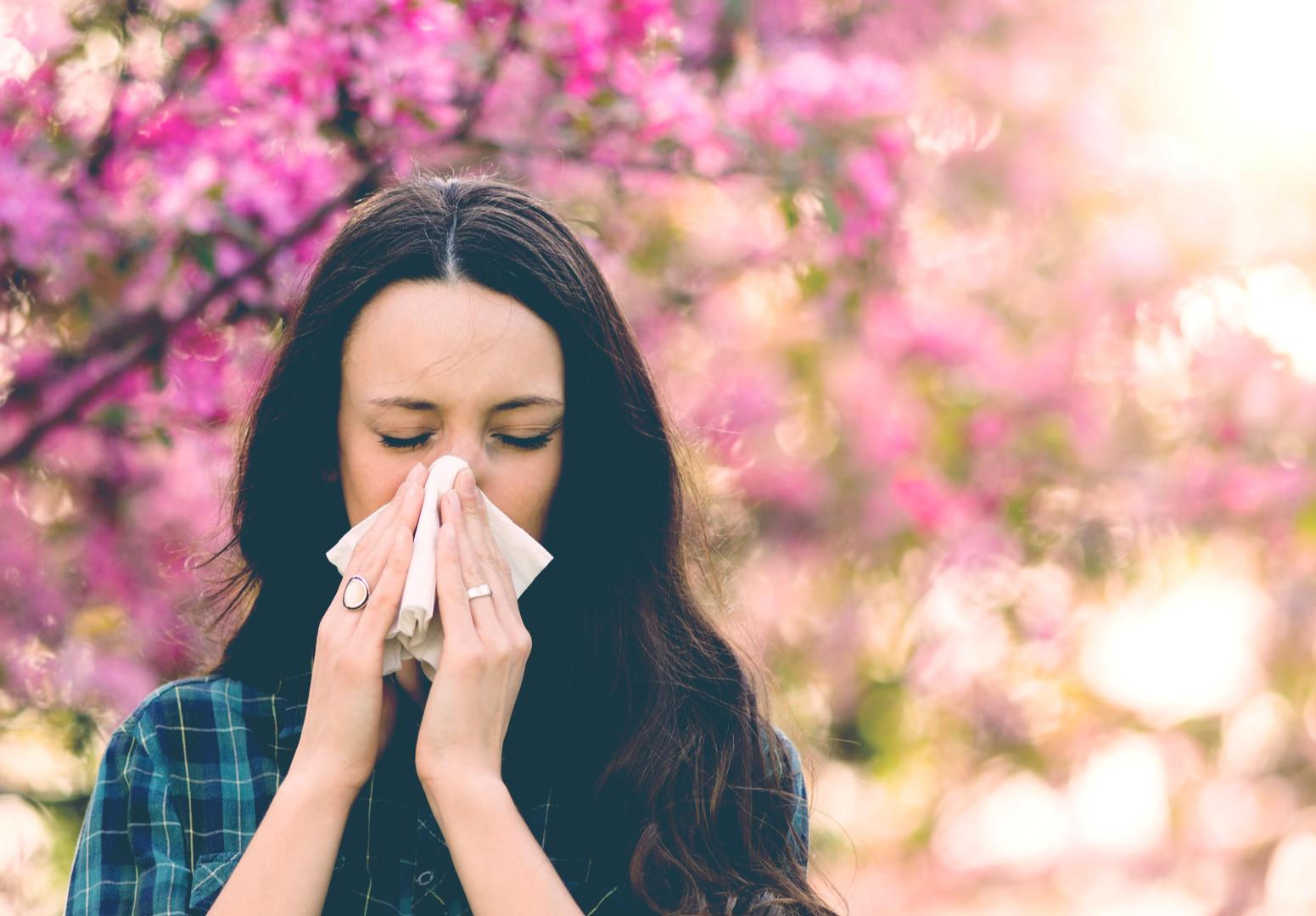 Jak alergicy radzą sobie z soczewkami kontaktowymi?